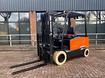 2021 Doosan B35X-7 Electric Side-shift + Forkpositioner