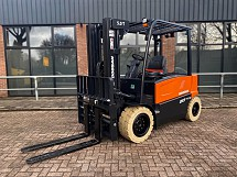 2021 Doosan B50X-7 Electric Side-shift + Forkpositioner